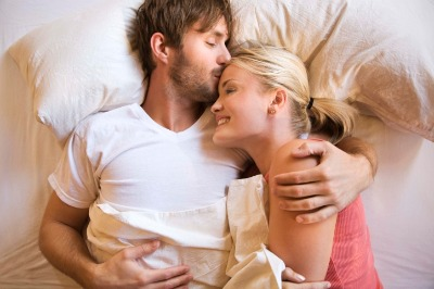 1025_romance_couple_cuddling_sm